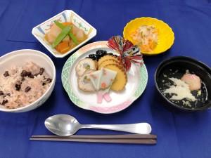 1月1日昼食、お節料理、赤飯、すまし汁
